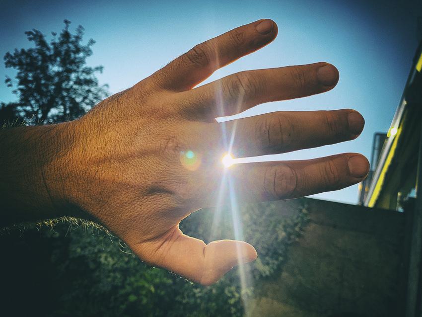 hand voor de zon #2