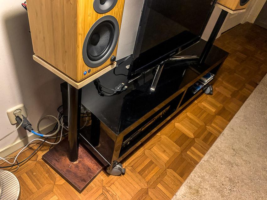 speakerstands v1.0