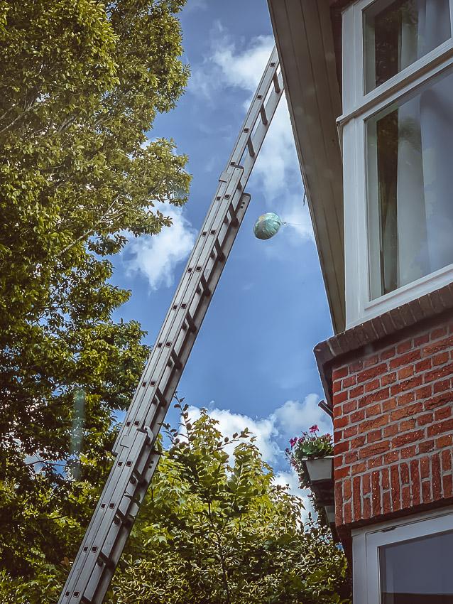 ladder & ballon